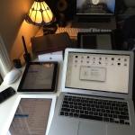 Macbook Air Thunderbolt 1.7GHz 128SSD  Ipad 2 White 64GB Ipad 1 64GB Ipad Air MacBook Pro Retina 15 (in the back)